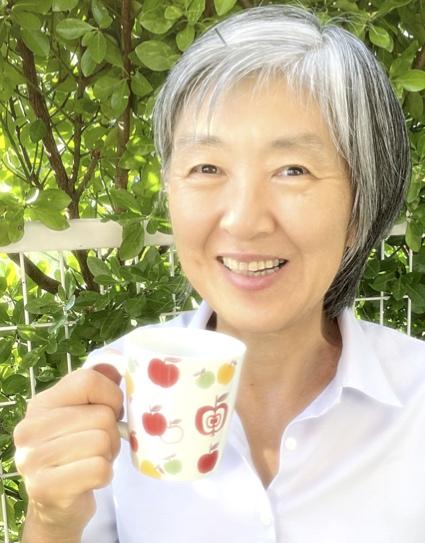 八塚 僚子さんの顔写真