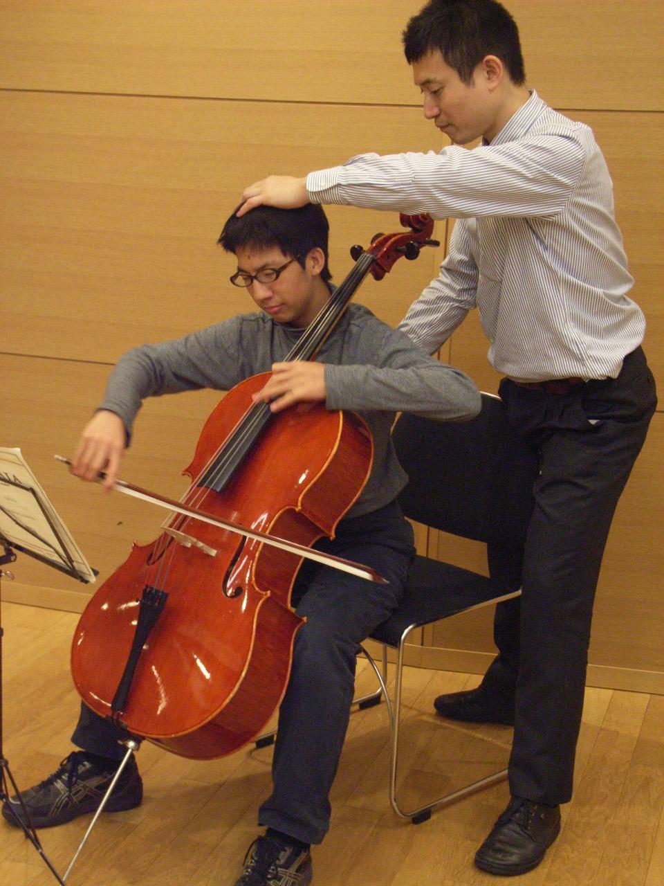 チェロ演奏のアクティビティレッスン2